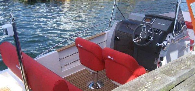 Power boat seats Cockpit