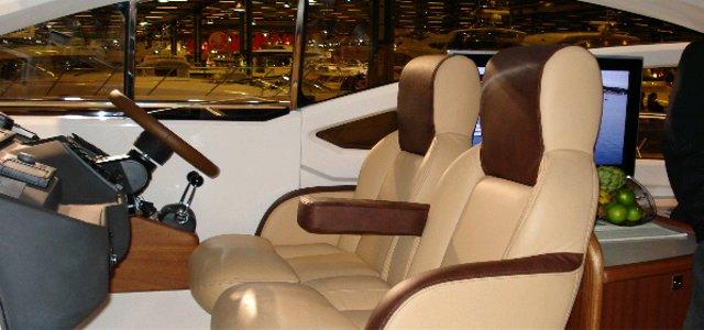 Power boat double seats